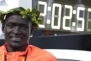 Nuovo Record del Mondo alla Maratona di Berlino - vince il Kenyano Dennis Kimetto in 2h:02:57