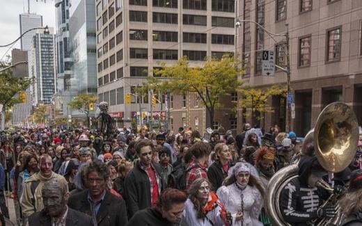 Passeggiata di Zombie a Toronto