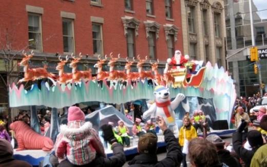 La Parata di Santa Claus a Toronto