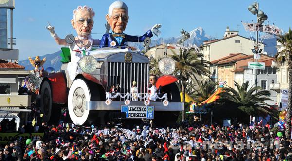 Carnevale di Viareggio - Primo Corso Mascherato e  Sfilata dei Carri
