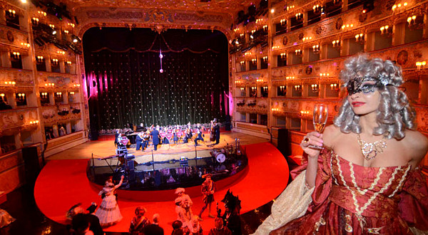 Festa in Maschera Rosso e Nero - Teatro La Fenice - Carnevale di Venezia