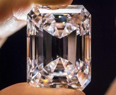Diamante Perfetto all'asta