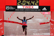 Eliud Kipchoge vince la London Marathon 2015